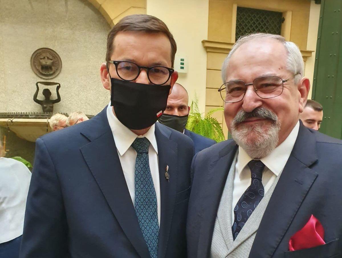 Konsul Janusz Krzywoszyński odznaczony Krzyżem Solidarności Walczącej