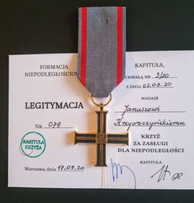 Konsul Janusz Krzywoszyński odznaczony Krzyżem Służby Niepodległości