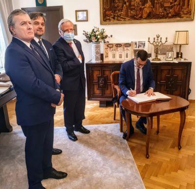 Uroczystość przekazania dokumentów do Archiwum Akt Nowych